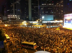 The sea of protesters in Admiralty from afternoon to night